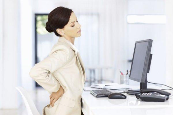 Ngồi văn phòng khiến đau lưng là nguyên do chính.