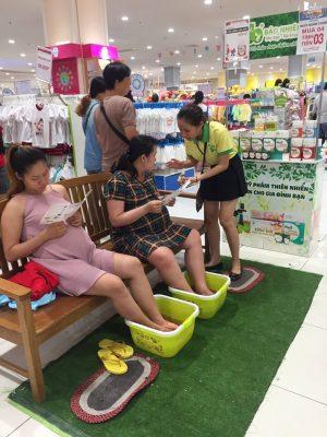 Những buổi trải nghiệm đã được Bảo Nhiên tại các siêu thị và cửa hàng.
