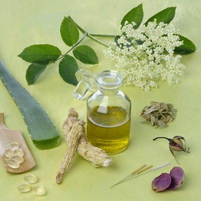 Tùy chọn vào các đặc điểm có thể giúp mẹ có thể biết được đâu là tinh dầu tràm nguyên chất.