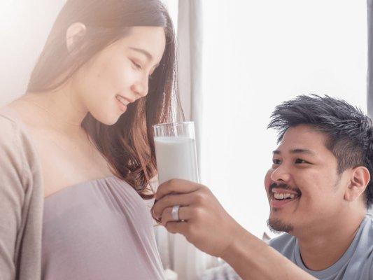 Mẹ sinh mổ cần chú ý thời điểm thích hợp để uống sữa